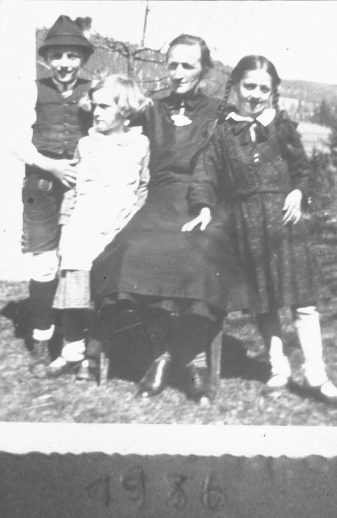 _Die Klier Paula mit Kinder (Zandl Hansl, die Nelly und die Mitzl)