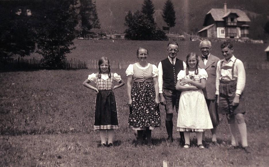 _Die Prem Leit (v.l. Sofie Leitner, 14.11.201x, Anna Seebacher, 1.6.1968, Altkepallmeister Leopold Seebacher 6.4.1951, Rita Wagner 12.2.1995 und Weana Urlaubsgäst